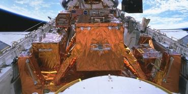 Installation of the Space Telescope Imaging Spectrograph (STIS) during Hubble Space Telescope Servicing Mission 2